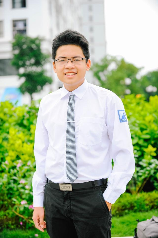 Trần Trung Hiếu: Chàng thủ khoa chuyên Hóa đẹp trai, đa tài của trường THPT Chuyên Hà Nội - Amsterdam - Ảnh 1.