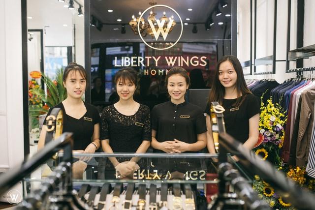 Diễn viên Sống chung với mẹ chồng dự khai trương showroom mới của Liberty Wings  - Ảnh 10.