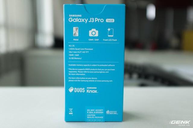 Trên tay Galaxy J3 Pro Xanh Ánh Bạc - Nét sang trọng được phổ cập cho phân khúc giá rẻ - Ảnh 2.