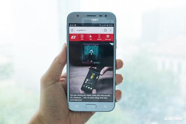 Trên tay Galaxy J3 Pro Xanh Ánh Bạc - Nét sang trọng được phổ cập cho phân khúc giá rẻ - Ảnh 8.