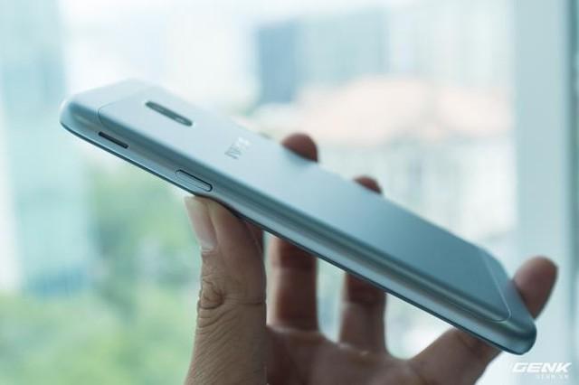 Trên tay Galaxy J3 Pro Xanh Ánh Bạc - Nét sang trọng được phổ cập cho phân khúc giá rẻ - Ảnh 14.