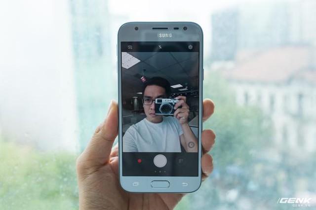 Trên tay Galaxy J3 Pro Xanh Ánh Bạc - Nét sang trọng được phổ cập cho phân khúc giá rẻ - Ảnh 20.