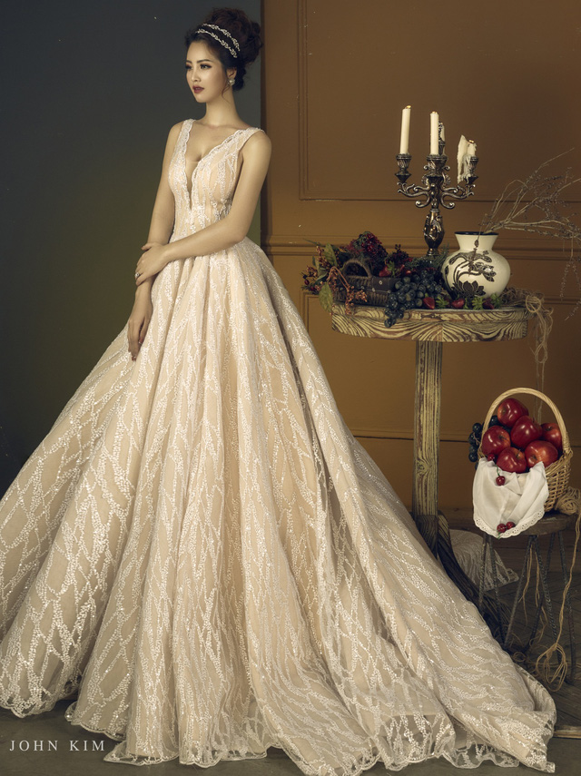 Á hậu Thanh Tú, Thụy Vân lạc vào xứ sở thần tiên với BST váy cưới cổ tích tuyệt đẹp - Ảnh 6.
