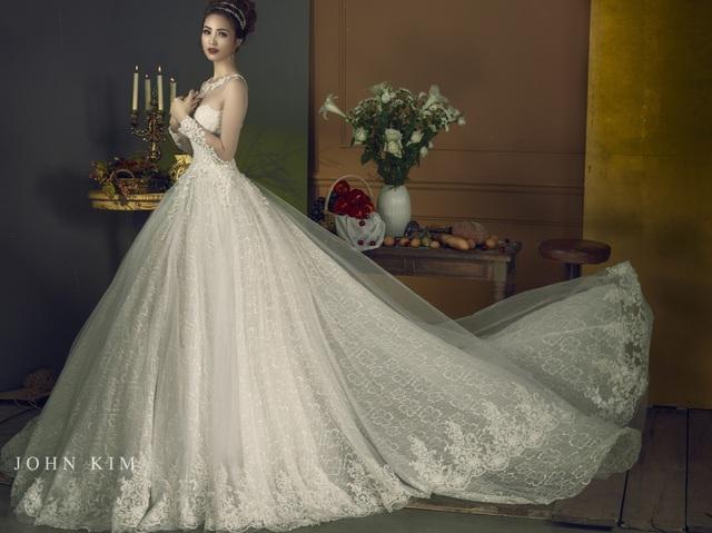 Á hậu Thanh Tú, Thụy Vân lạc vào xứ sở thần tiên với BST váy cưới cổ tích tuyệt đẹp - Ảnh 10.