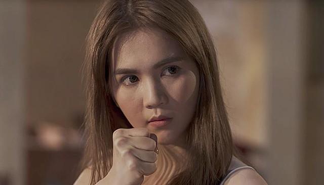 Để nhập vai đả nữ, Ngọc Trinh được yêu cầu gấp rút thon gọn mặt - Ảnh 3.