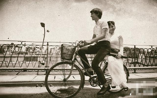 Dù không cầu hôn lãng mạn, thế hệ trước vẫn có những mối tình vượt thời gian đáng ngưỡng mộ - Ảnh 2.