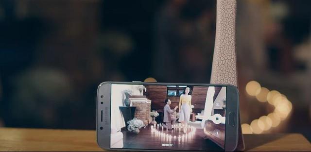 Vị khách công nghệ bất ngờ góp mặt trong MV mới của Isaac - Ảnh 6.