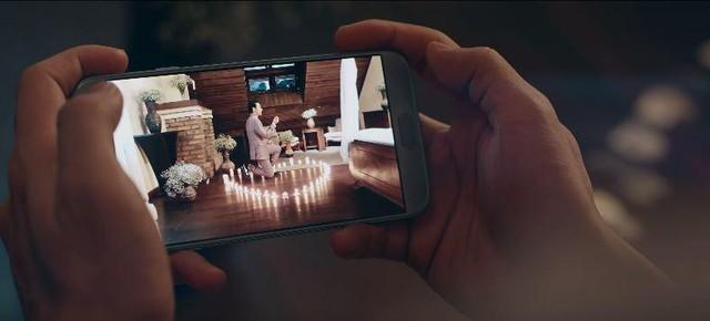 Vị khách công nghệ bất ngờ góp mặt trong MV mới của Isaac - Ảnh 7.