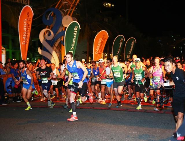 Cảm xúc trải dài cùng những bước chân trên đường chạy Marathon Quốc tế Đà Nẵng 2017 - Ảnh 3.