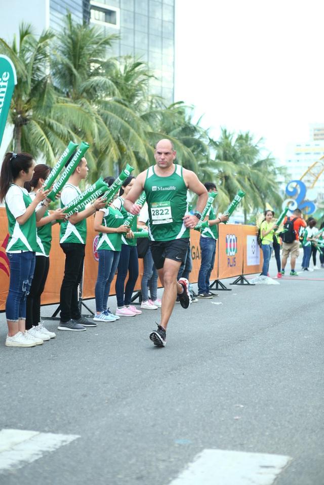 Cảm xúc trải dài cùng những bước chân trên đường chạy Marathon Quốc tế Đà Nẵng 2017 - Ảnh 10.