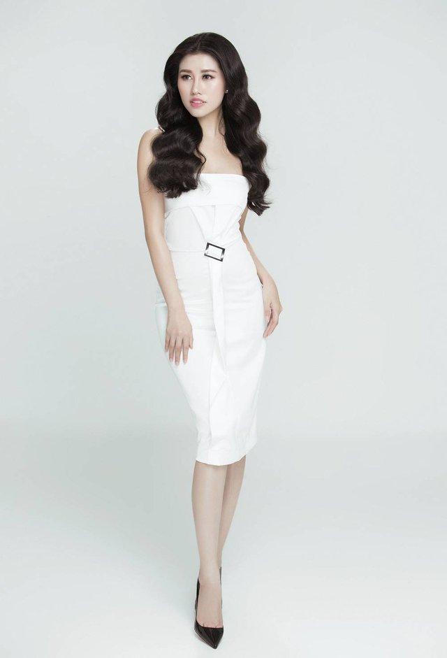 Emily Hồng Nhung biến hoá lôi cuốn trong bộ sưu tập mới - Ảnh 5.