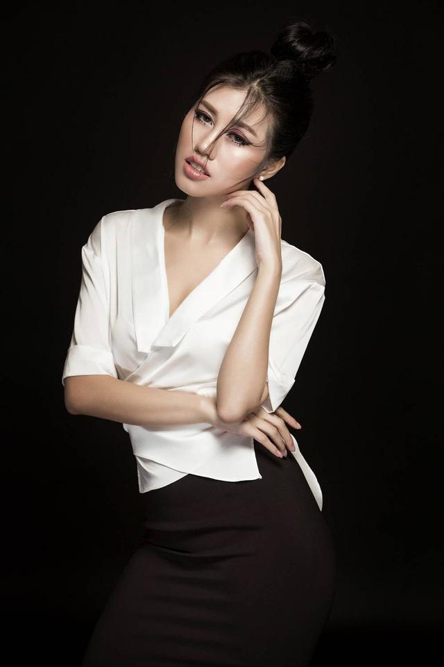 Emily Hồng Nhung biến hoá lôi cuốn trong bộ sưu tập mới - Ảnh 9.
