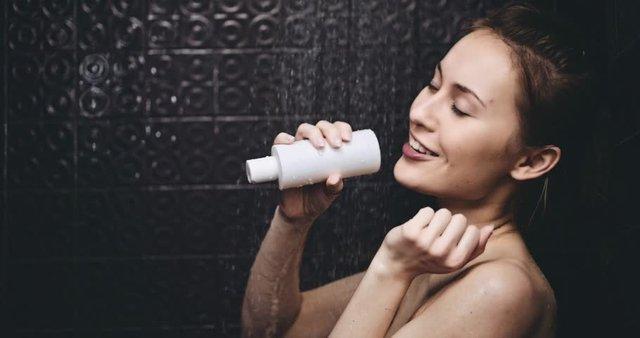 Tuyệt chiêu thư giãn trong phòng tắm mà mọi cô gái nên thử - Ảnh 1.