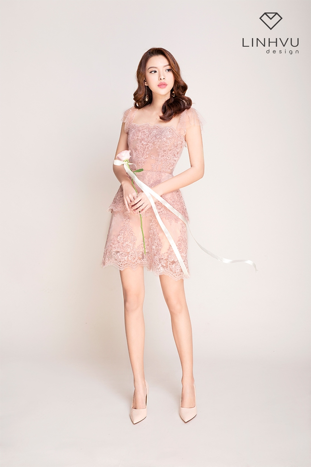 Tú Hảo đẹp hút hồn trong BST mới của thương hiệu LINHVU Design - Ảnh 1.
