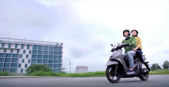 Hé lộ hậu trường siêu dễ thương của Isaac và Chi Pu trong MV mới - Ảnh 9.