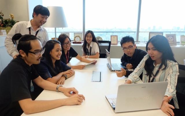 12 sinh viên Việt Nam với kỳ thực tập mơ ước tại xứ Chùa vàng - Ảnh 1.