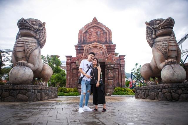 Gia đình Trang Lou – Tùng Sơn khoe ảnh đi chơi công viên giải trí cực đáng yêu - Ảnh 8.
