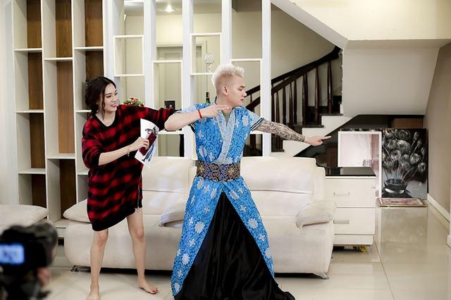 Khắc Việt chính thức ra mắt MV với thông điệp ý nghĩa về tình yêu - Ảnh 2.