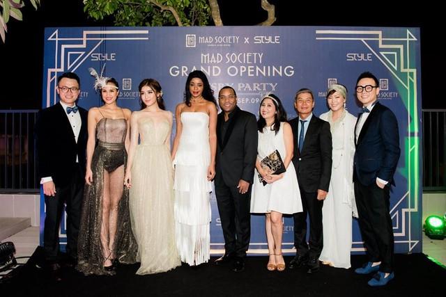 Á hậu Huyền My,siêu mẫu Phương Mai sải bước tại sự kiện Great Gatsby - Ảnh 5.
