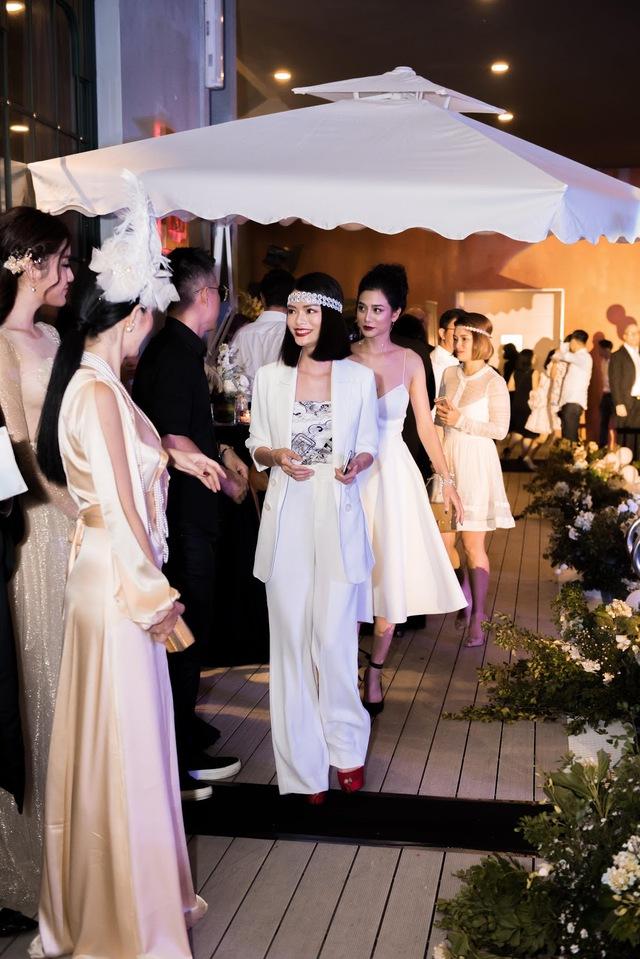 Á hậu Huyền My,siêu mẫu Phương Mai sải bước tại sự kiện Great Gatsby - Ảnh 10.