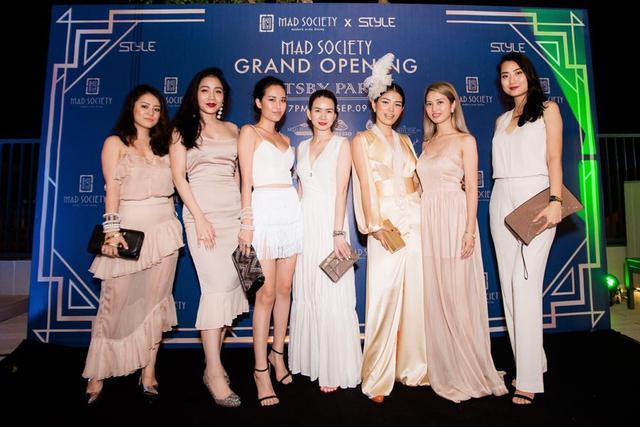 Á hậu Huyền My,siêu mẫu Phương Mai sải bước tại sự kiện Great Gatsby - Ảnh 11.