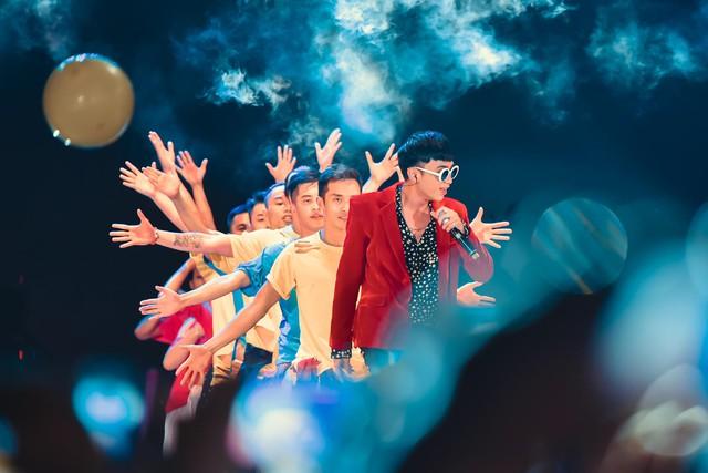 Soobin Hoàng Sơn, Miu Lê quẩy tưng bừng trong đêm nhạc Pushmax - Back to School - Ảnh 3.