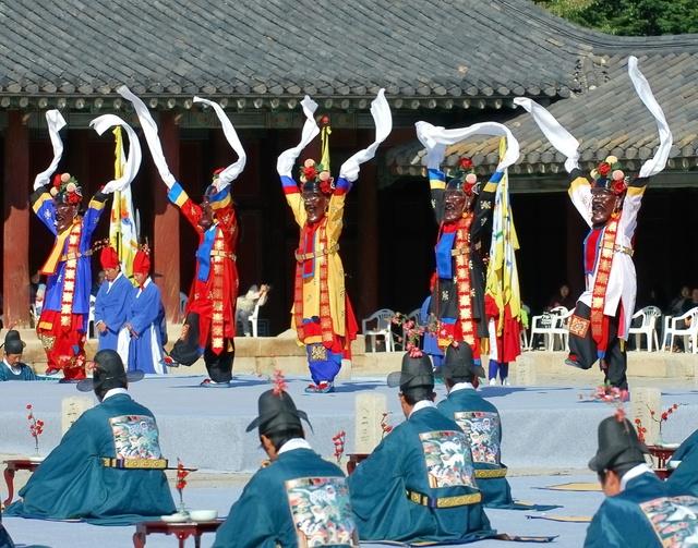Hàn Quốc – Thiên đường xanh mướt hạ về, đỏ lá thu sang - Ảnh 8.