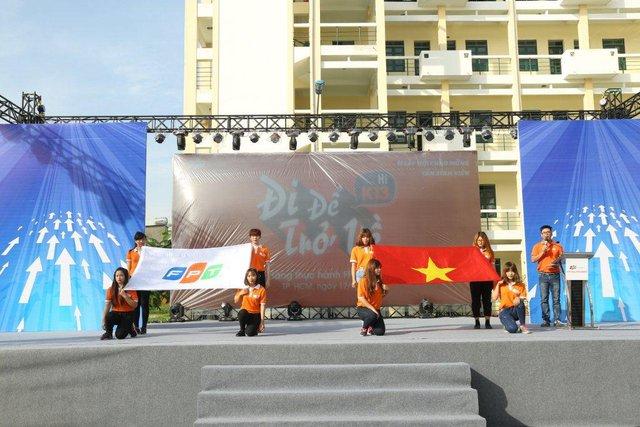 Gần 2.000 sinh viên FPT Polytechnic bước vào ngày hội đón năm học mới - Ảnh 1.