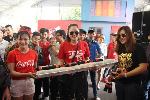 Giới trẻ tưng bừng check-in tại lễ hội ẩm thực đường phố Coca-Cola - Ảnh 10.