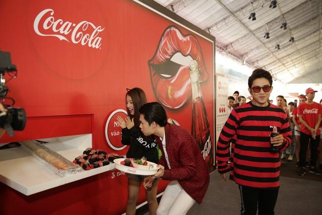 Giới trẻ tưng bừng check-in tại lễ hội ẩm thực đường phố Coca-Cola - Ảnh 18.
