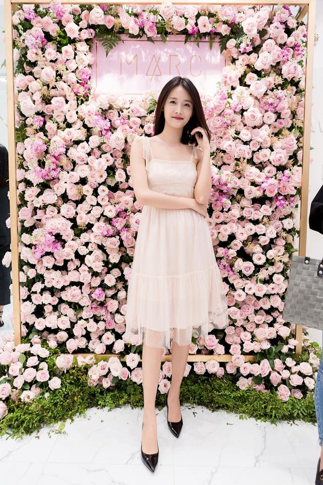 Tú Hảo, Đồng Ánh Quỳnh, Trương Mỹ Nhân cùng đọ sắc tại buổi Soft Opening của MARC - Ảnh 3.