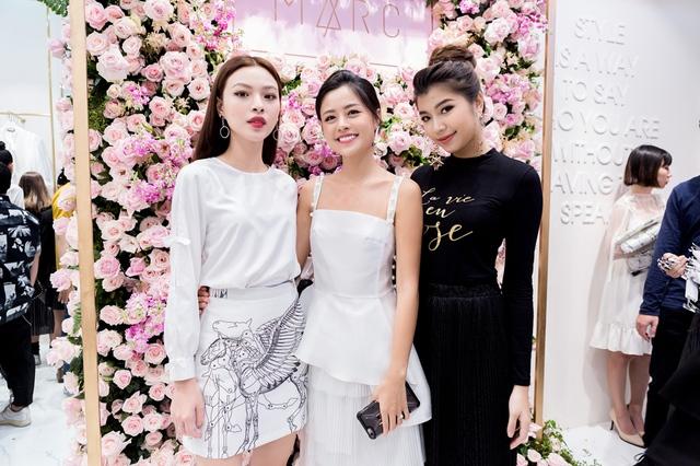 Tú Hảo, Đồng Ánh Quỳnh, Trương Mỹ Nhân cùng đọ sắc tại buổi Soft Opening của MARC - Ảnh 9.