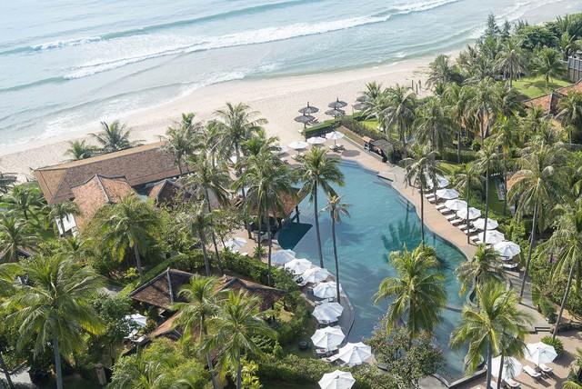Anantara nhìn thẳng ra bãi biển Mũi Né xinh đẹp.
