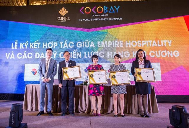 Lãnh đạo Tập đoàn Empire cùng các Đại lý chiến lược hạng Kim Cương: Saigon Tourist, Vietnam Tourism Charter, Global Tour, Vietravel.