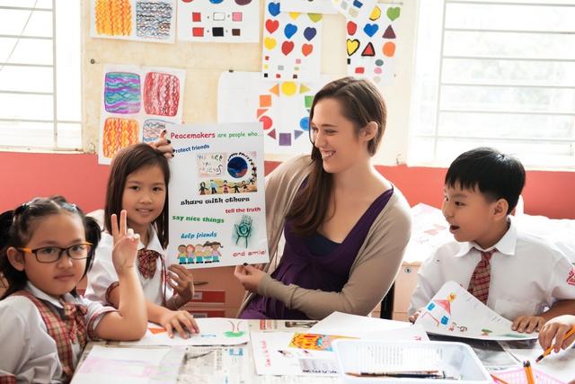 Chương trình Hoa Kì với 100% giáo viên bản xứ.