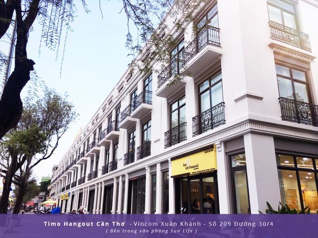 Địa điểm đón tiếp khách hàng đặt tại khu vực trung tâm, bên trong khu VinCom Shophouse.