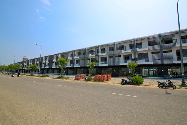 Cận cảnh dãy phố shophouse Marina Complex với thiết kế ưu việt và sự tích hợp không gian sống xanh – thông minh – resort.