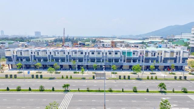 Shophouse Ngô Quyền bên sông và kề biển trở thành điểm nhấn quan trọng trên trục đường thương mại sầm uất ngay trung tâm thành phố Đà Nẵng.