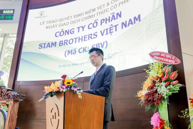 Chủ tịch Veerapong Sawatyanon phát biểu tại lễ niêm yết SBV.