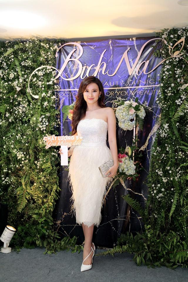 Midu chia sẻ không bao giờ nhận quảng cáo cho spa nếu chưa trải nghiệm qua, BichNa Beauty Clinic chính là địa chỉ làm đẹp tin cậy mà cô muốn giới thiệu đến mọi người.