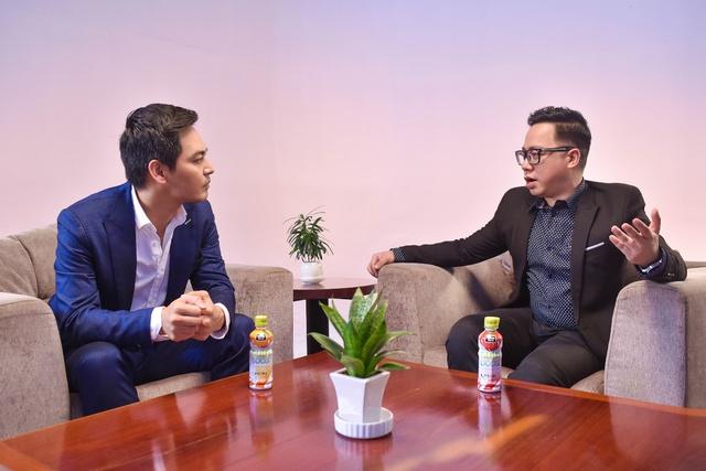 Đại sứ thương hiệu Nutriboost - MC Phan Anh đóng vai trò người dẫn chuyện trong series Sẵn sàng để thành công.