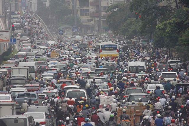 Hiện trạng giao thông gây ô nhiễm không khí.