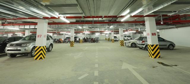 Bãi đỗ xe rộng rãi, sạch đẹp, được bố trí, hợp lý tại chân mỗi tòa nhà, phục vụ thuận tiện nhất nhu cầu của cư dân.