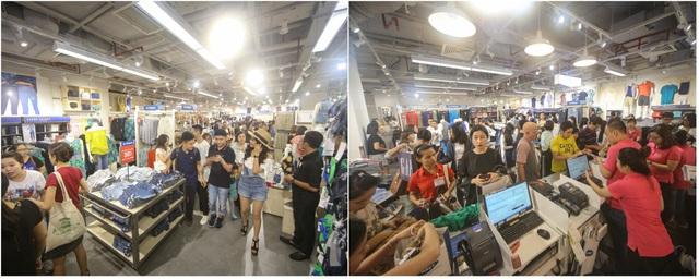 Bên trong cửa hàng Old Navy ngày khai trương – nơi khách hàng tìm kiếm các thiết kế cho cả gia đình trong BST Hè mới nhất và trải nghiệm không gian mua sắm thú vị, đầy niềm vui.