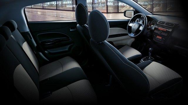 Nội thất tiện nghi, thiết kế sang trọng tạo cảm giác thoải mái khi ngồi trên xe.