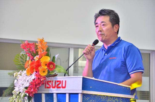 Ông Hidekazu Noto - TGD Isuzu Viet Nam phát biểu tại buổi họp báo ra mắt xe chuyên dùng.