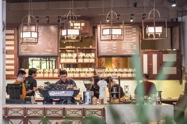 Để thưởng thức những tách cà phê hảo hạng của L'Amant Cafe, các bạn có thể tìm đến số 12 Nguyễn Huệ, Q. 1, TP. HCM và chuỗi phân phối sản phẩm của L'Amant.