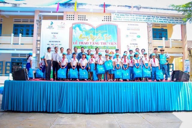 Những ngày đầu thu, trước mùa tựu trường đoàn Caravan Thư viện Hai Mươi Ba Mươi đã đến Quảng Ngãi chắp cánh cho các em học sinh hành trang đến trường, vươn lên học hỏi và khám phá tri thức.