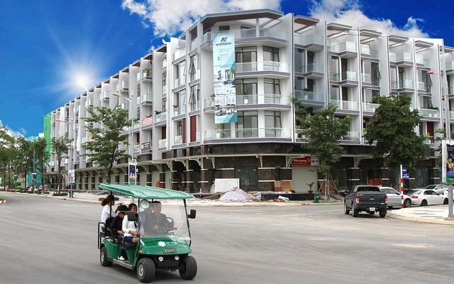 Phố thương mại khu đô thị Vạn Phúc đang dần thành hình và giao thương sôi động.