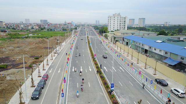Đường 70 trước mặt dự án đã mở rộng, tuyến đường Trần Hữu Dực đã hoàn thiện và sử dụng.